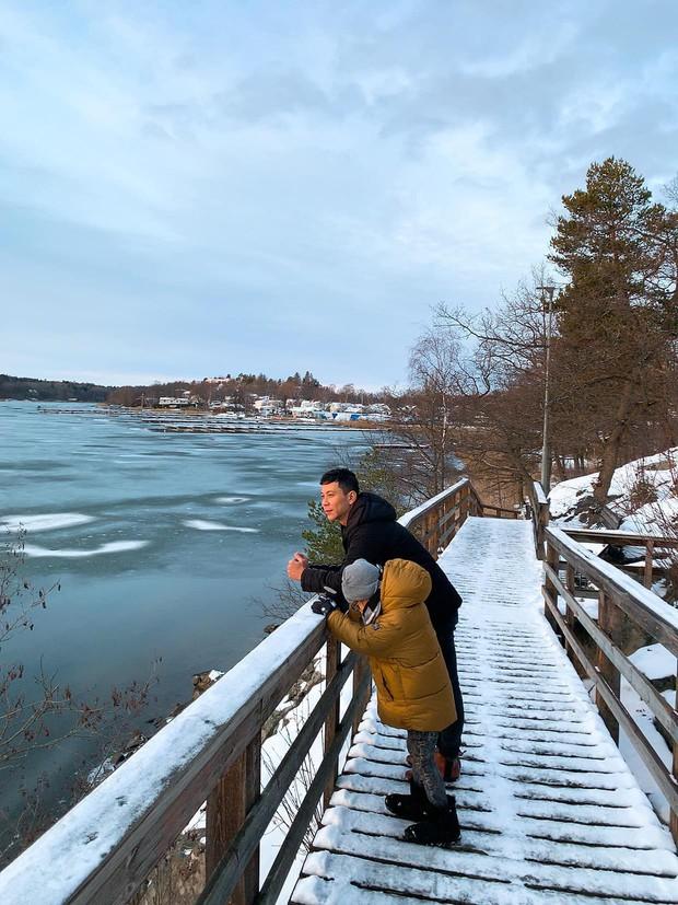 Hồ Ngọc Hà hạnh phúc đưa bé Subeo và cả đại gia đình tới nhà Kim Lý tại Thụy Điển - Ảnh 3.