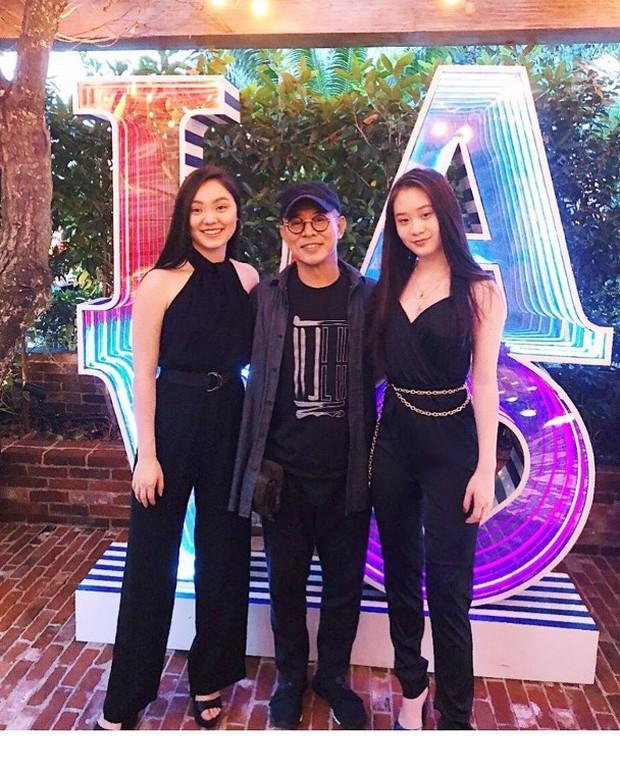 2 cô con gái tuổi teen của Lý Liên Kiệt: Chân dài miên man, nhan sắc thừa hưởng từ mẹ Hoa hậu - Ảnh 1.