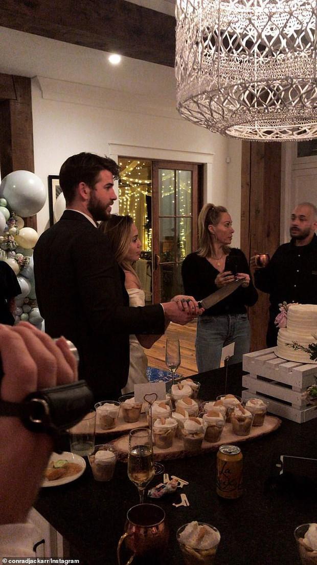 Choáng trước khung cảnh siêu sang trọng trong biệt thự 135 tỷ đồng mà Miley và Liam được đồn tổ chức đám cưới - Ảnh 1.