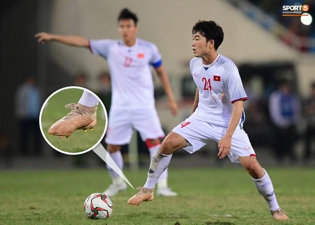 Xuân Trường dùng 2 đôi giày ở trận gặp CHDCND Triều Tiên để lấy... may? - Ảnh 4.