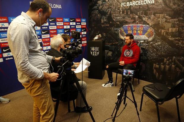 Ronaldo thách Messi sang Italy so tài và đây là lời đáp trả đến từ siêu sao của Barcelona - Ảnh 1.
