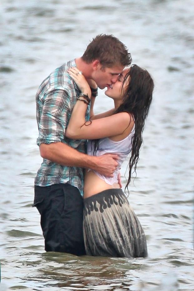 Miley Cyrus: Nàng công chúa vì yêu mà nổi loạn bất cần nhưng cũng vì tình mà cởi bỏ gai góc, khoác lên bộ váy cô dâu - Ảnh 2.