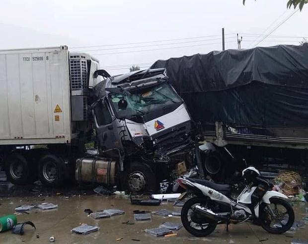 Bình Thuận: Xe tải và xe container đâm nhau gây tai nạn liên hoàn trên Quốc lộ, 2 người chết, nhiều người bị thương - Ảnh 2.