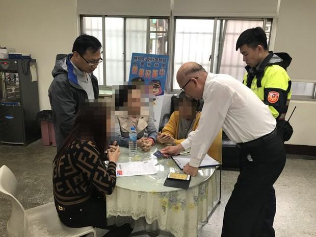 14 du khách Việt Nam đã bị bắt giữ tại Đài Loan, trong đó có 4 phụ nữ tự đến trình diện vì quá sợ hãi - Ảnh 3.
