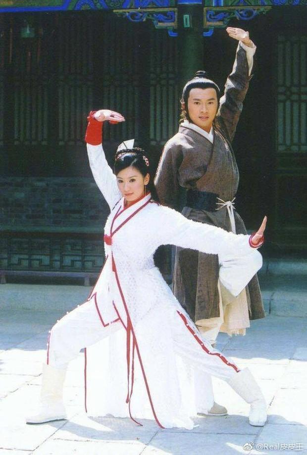 Sau 15 năm, cặp đôi Trương Vô Kỵ Tô Hữu Bằng và Triệu Mẫn Giả Tịnh Văn vẫn sở hữu vẻ đẹp không tuổi - Ảnh 3.