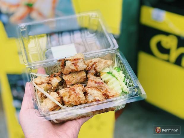 Một bước sang Thái với món chả cá Chatuchak lạ vị ngay ở Sài Gòn! - Ảnh 1.