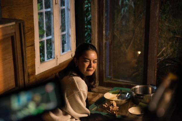 Phạm Quỳnh Anh khóc nức nở trong teaser ca khúc kể về những ngày u ám nhất cuộc đời - Ảnh 2.