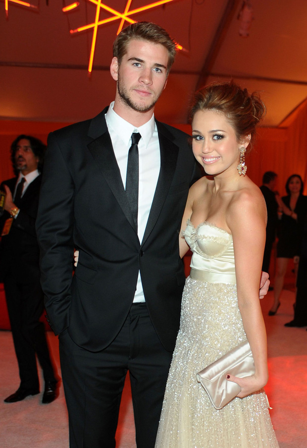 Miley Cyrus: Nàng công chúa vì yêu mà nổi loạn bất cần nhưng cũng vì tình mà cởi bỏ gai góc, khoác lên bộ váy cô dâu - Ảnh 4.