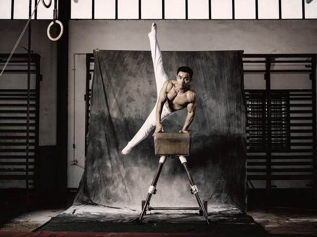 Trầm trồ với bộ ảnh cưới chất ngất của hot boy Thể dục dụng cụ Việt Nam - Ảnh 2.