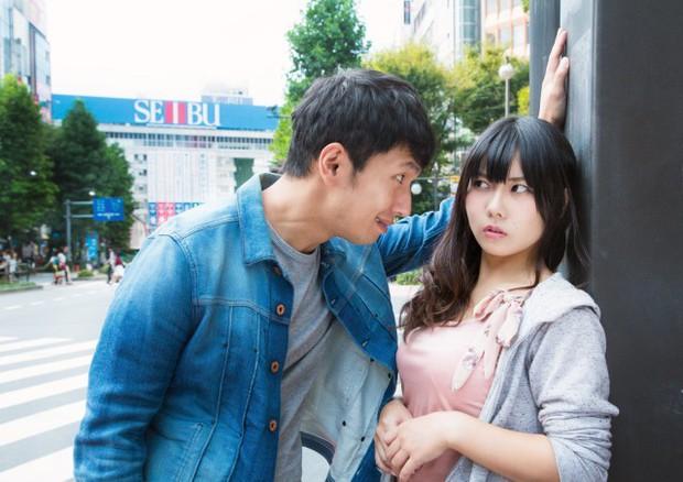 Cô gái Nhật đăng đàn chê bạn trai hẹn hò buổi đầu mà mặc đồ Uniqlo rẻ tiền, dân mạng chia hai phe tranh cãi - Ảnh 2.