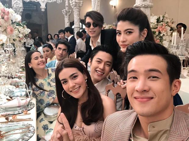 Năm 2018 đầy tai tiếng của showbiz Thái: Rửa tiền, tự tử, ngoại tình chấn động nhưng kết lại bằng đám cưới cổ tích - Ảnh 19.
