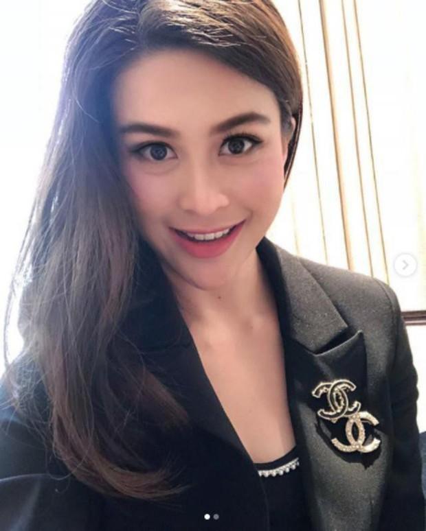 Năm 2018 đầy tai tiếng của showbiz Thái: Rửa tiền, tự tử, ngoại tình chấn động nhưng kết lại bằng đám cưới cổ tích - Ảnh 9.