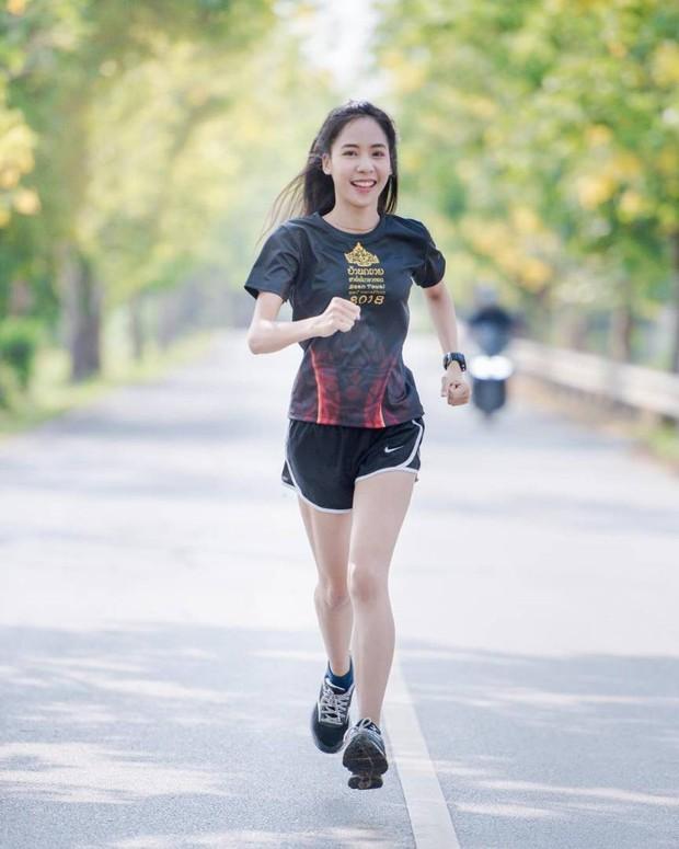 Nổi rần rần khi tham dự một giải chạy và đây là điều bất ngờ khi info của cô gái này được tiết lộ - Ảnh 6.