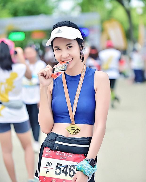 Nổi rần rần khi tham dự một giải chạy và đây là điều bất ngờ khi info của cô gái này được tiết lộ - Ảnh 8.
