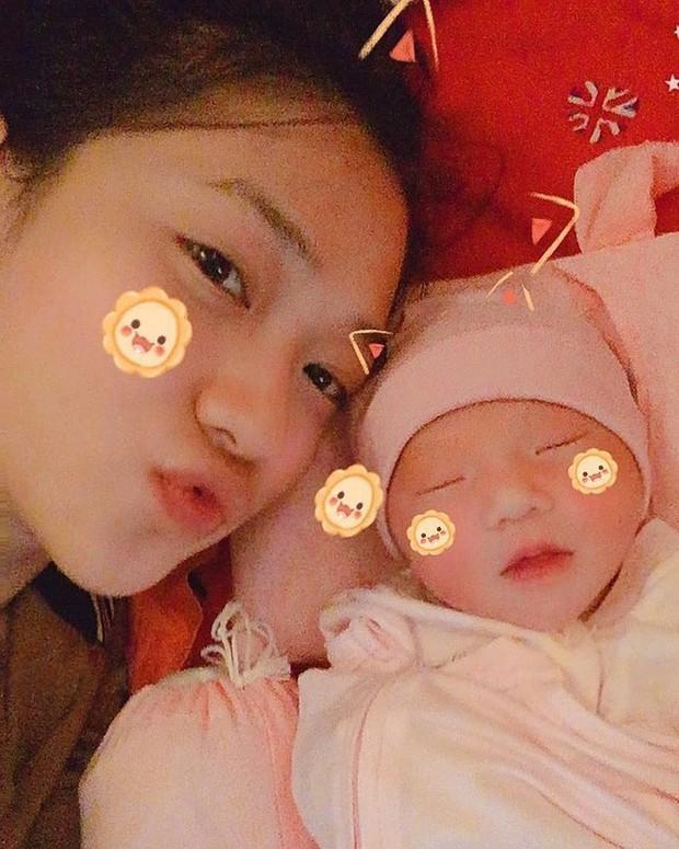 Đây là những nàng hotgirl Việt đã trở thành vợ người ta trong năm 2018 - Ảnh 4.