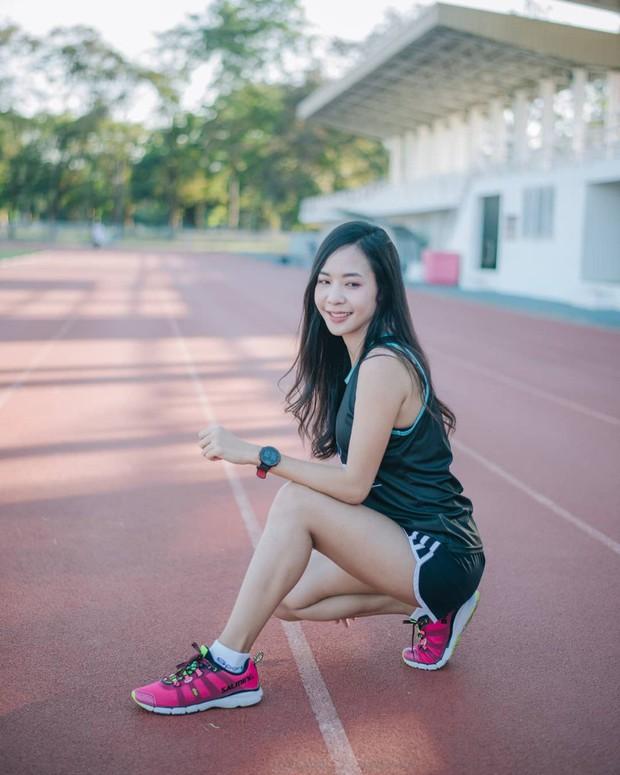 Nổi rần rần khi tham dự một giải chạy và đây là điều bất ngờ khi info của cô gái này được tiết lộ - Ảnh 11.