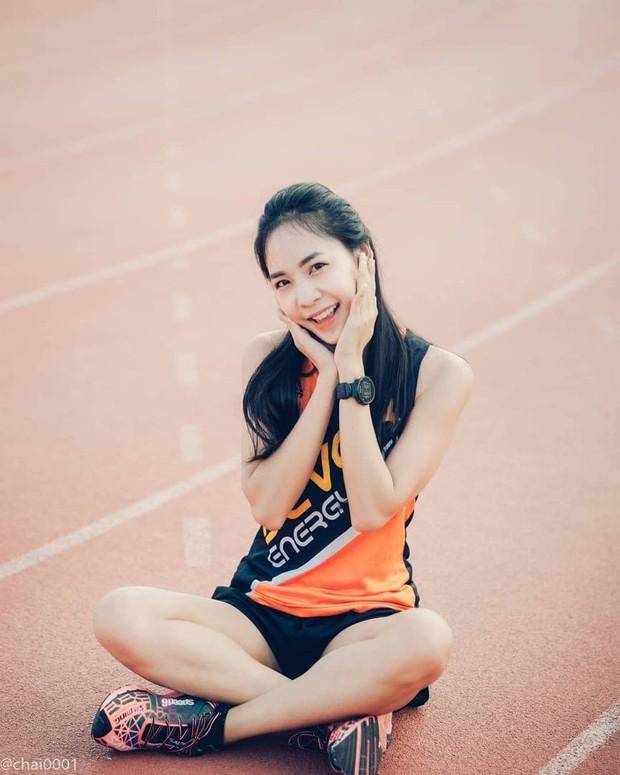 Nổi rần rần khi tham dự một giải chạy và đây là điều bất ngờ khi info của cô gái này được tiết lộ - Ảnh 5.