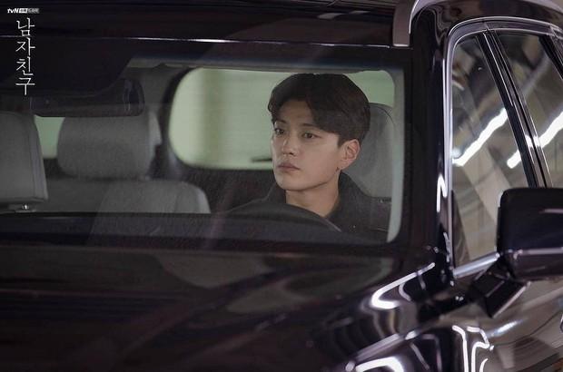 Hết vợ cũ Hyun Bin lại đến chồng cũ Song Hye Kyo lấn át cả Park Bo Gum vì đẳng cấp điển trai không đùa được - Ảnh 9.