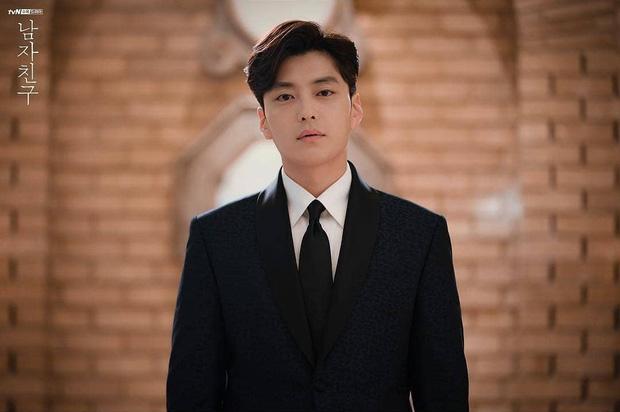 Hết vợ cũ Hyun Bin lại đến chồng cũ Song Hye Kyo lấn át cả Park Bo Gum vì đẳng cấp điển trai không đùa được - Ảnh 7.