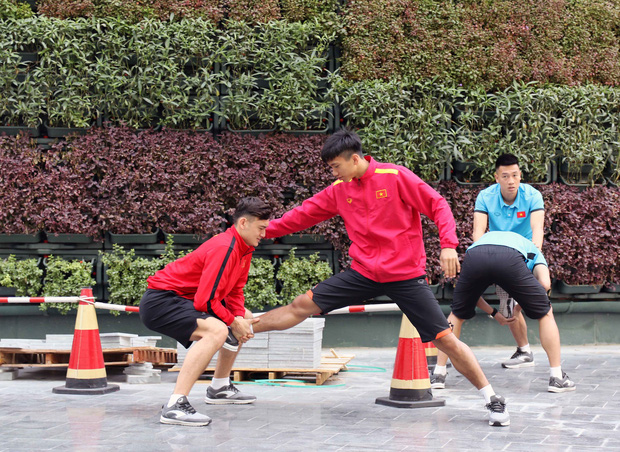 Vừa tới Qatar, HLV Park Hang-seo lo học trò xao nhãng sau chức vô địch AFF Cup 2018 - Ảnh 5.
