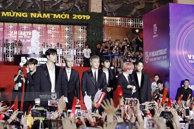 Thảm đỏ Year End Party Hàn-Việt: Soobin - Jiyeon quá đẹp đôi, MAMAMOO, iKON cực hot bên dàn sao Việt đình đám - Ảnh 11.