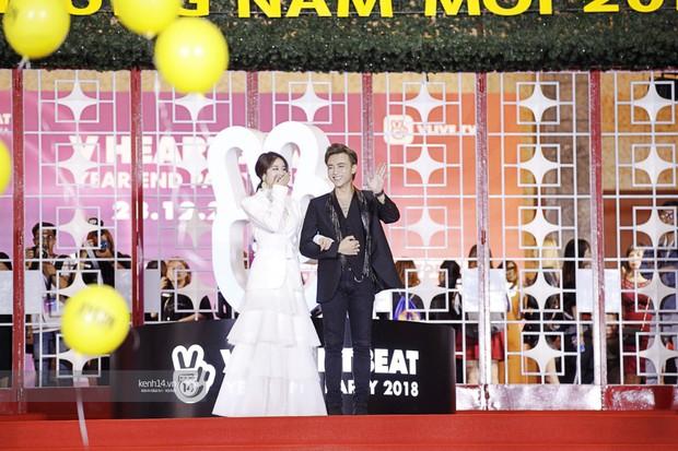 Thảm đỏ Year End Party Hàn-Việt: Soobin - Jiyeon quá đẹp đôi, MAMAMOO, iKON cực hot bên dàn sao Việt đình đám - Ảnh 1.