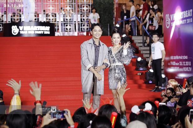 Thảm đỏ Year End Party Hàn-Việt: Soobin - Jiyeon quá đẹp đôi, MAMAMOO, iKON cực hot bên dàn sao Việt đình đám - Ảnh 28.