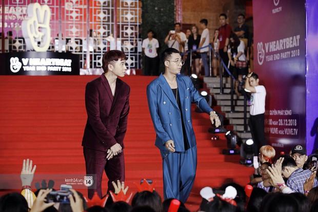 Thảm đỏ Year End Party Hàn-Việt: Soobin - Jiyeon quá đẹp đôi, MAMAMOO, iKON cực hot bên dàn sao Việt đình đám - Ảnh 26.