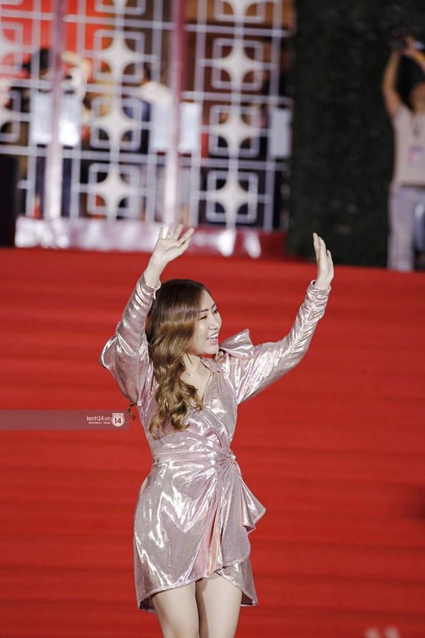 Thảm đỏ Year End Party Hàn-Việt: Soobin - Jiyeon quá đẹp đôi, MAMAMOO, iKON cực hot bên dàn sao Việt đình đám - Ảnh 21.
