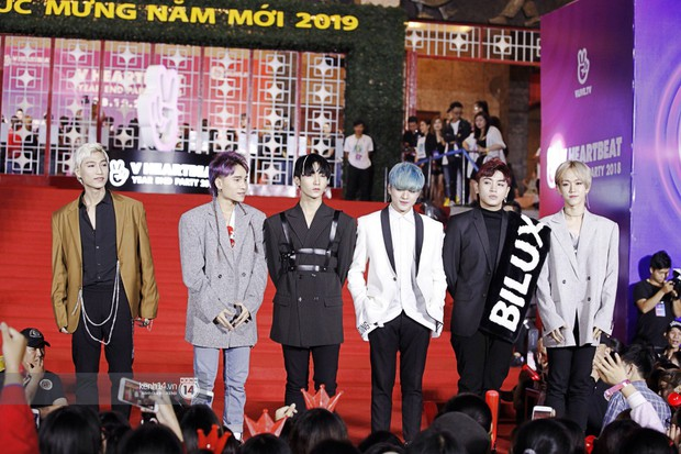 Thảm đỏ Year End Party Hàn-Việt: Soobin - Jiyeon quá đẹp đôi, MAMAMOO, iKON cực hot bên dàn sao Việt đình đám - Ảnh 36.