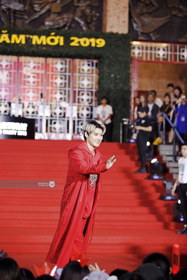 Thảm đỏ Year End Party Hàn-Việt: Soobin - Jiyeon quá đẹp đôi, MAMAMOO, iKON cực hot bên dàn sao Việt đình đám - Ảnh 33.