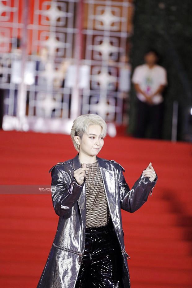 Thảm đỏ Year End Party Hàn-Việt: Soobin - Jiyeon quá đẹp đôi, MAMAMOO, iKON cực hot bên dàn sao Việt đình đám - Ảnh 17.