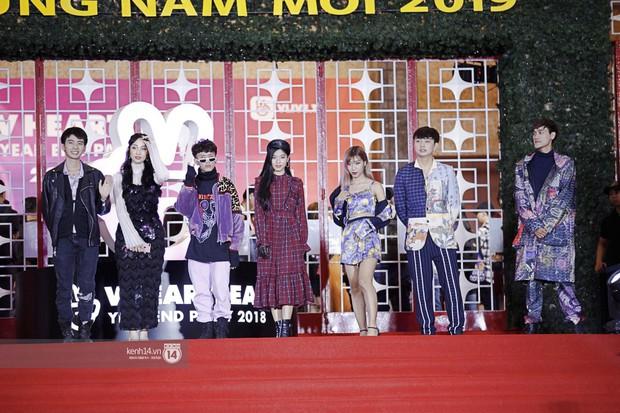 Thảm đỏ Year End Party Hàn-Việt: Soobin - Jiyeon quá đẹp đôi, MAMAMOO, iKON cực hot bên dàn sao Việt đình đám - Ảnh 30.