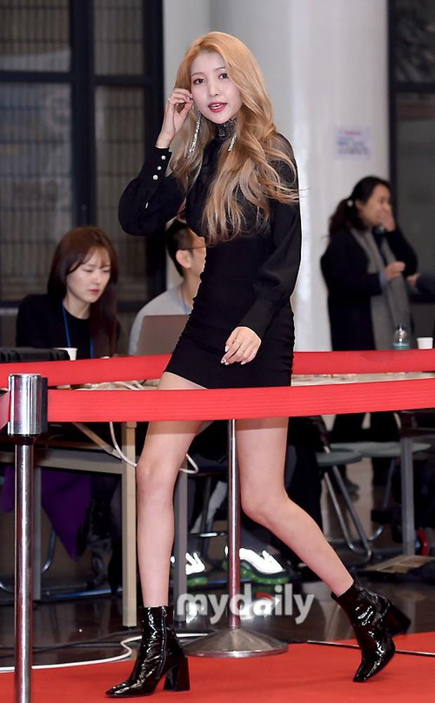 150 idol đổ bộ thảm đỏ KBS Song Festival: Red Velvet và dàn mỹ nhân mặc thảm họa, TWICE, BTS đơn giản mà đẹp - Ảnh 18.