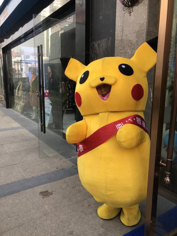 [Vui] Tổng hợp những màn cosplay Pikachu thất bại trên khắp thế giới - Ảnh 4.