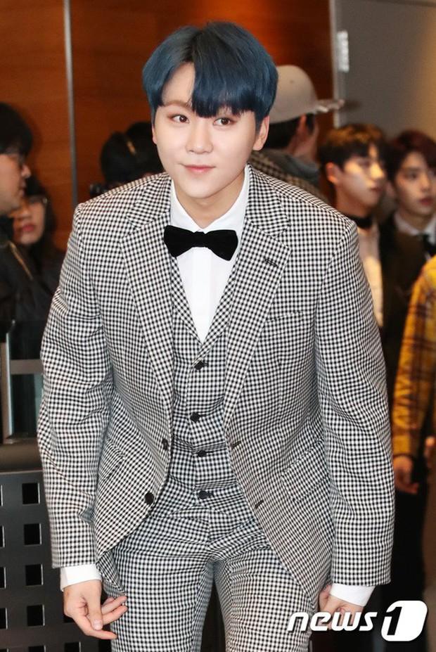 Thảm đỏ MBC Entertainment Awards: Kim So Hyun đẹp đỉnh cao, đánh bật cả Yuri và dàn mỹ nhân khoe body xôi thịt - Ảnh 35.
