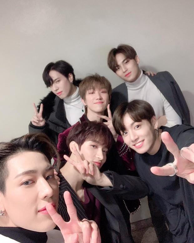 Lý do chị em mất máu tại KBS Song Festival: Hội bạn thân sinh năm 1997 toàn mỹ nam BTS, Seventeen, GOT7 selfie - Ảnh 4.
