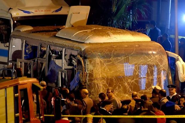 Xe chở du khách Việt Nam bị đánh bom tại Ai Cập khiến 4 người chết, hơn 10 người bị thương - Ảnh 5.