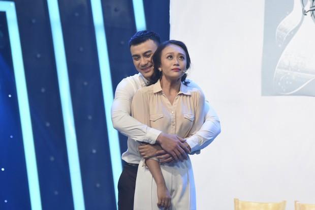 Việt Hương nghiêm khắc nhận xét nữ diễn viên Cô Ba Sài Gòn: Đôi mắt em không biểu cảm, không thể nào cứu vãn được. Em mất hết! - Ảnh 3.