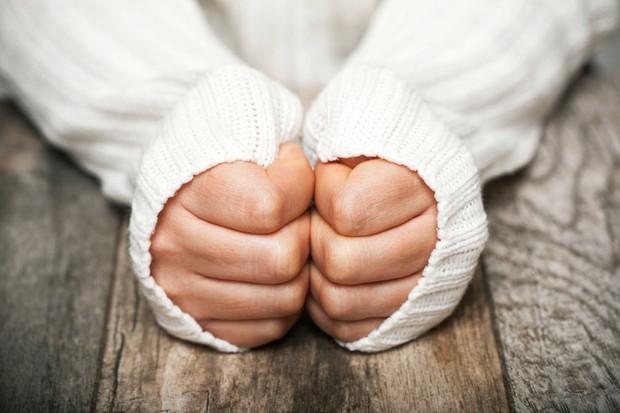 Nhiệt độ Hà Nội xuống 9 độ C, cẩn thận kẻo ai cũng có thể mắc phải bệnh này - Ảnh 2.