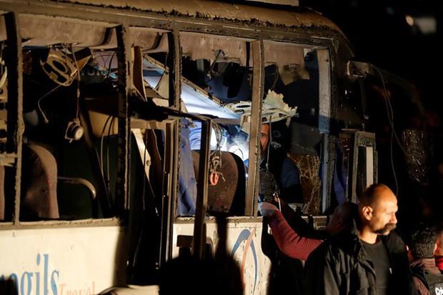 Đoàn du khách Việt Nam bị đánh bom ở Ai Cập: Gặp nạn ngay trước lúc sắp về nước - Ảnh 2.