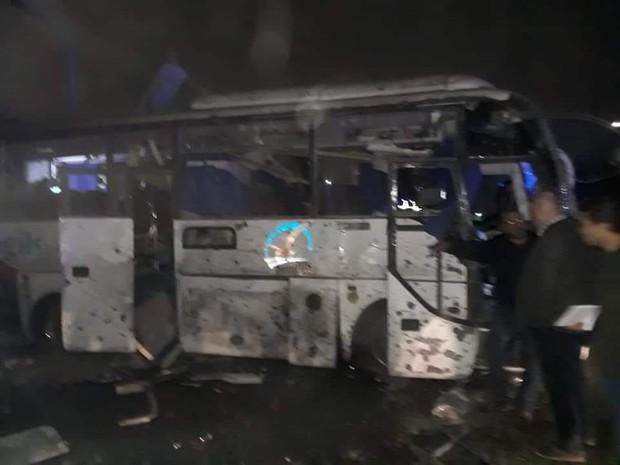 Xe chở du khách Việt Nam bị đánh bom tại Ai Cập khiến 4 người chết, hơn 10 người bị thương - Ảnh 2.