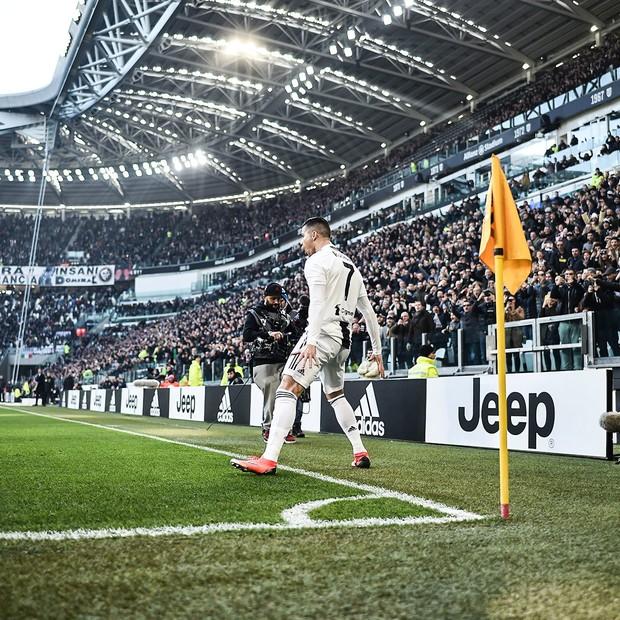 Ronaldo giúp Juventus lập thành tích chưa từng có trong lịch sử giải VĐQG Italy - Ảnh 1.
