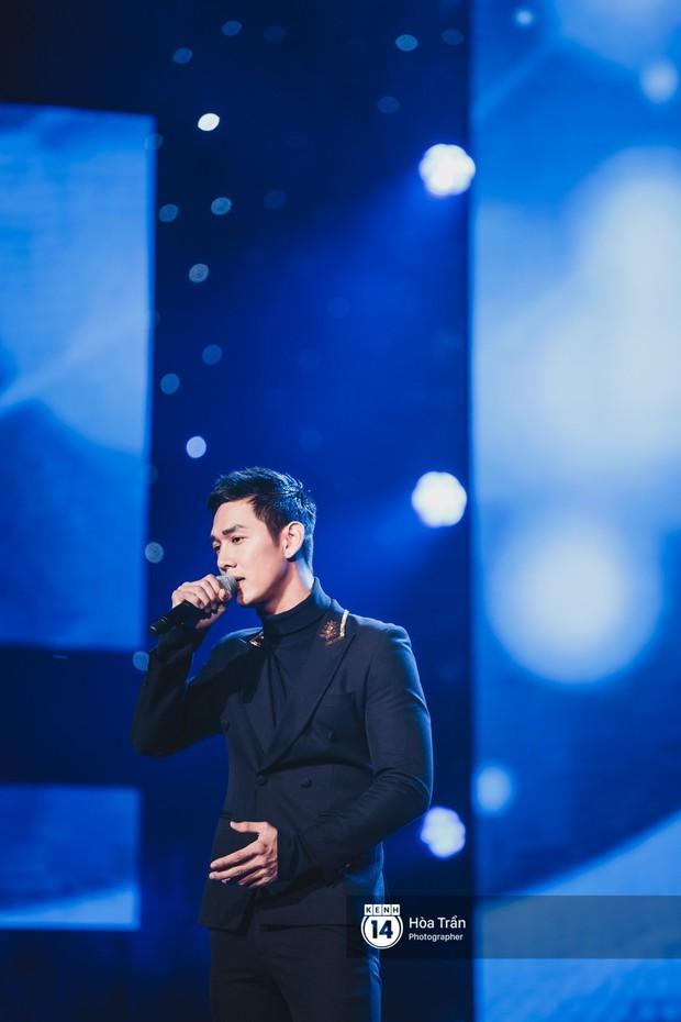 Soobin - Jiyeon song ca tình bể bình, iKON quẩy cùng nón lá, dàn sao Việt - Hàn bùng nổ đêm nhạc cuối năm - Ảnh 14.