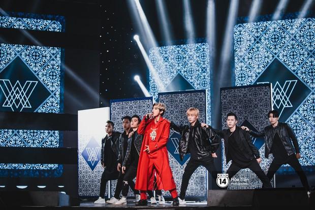 Soobin - Jiyeon song ca tình bể bình, iKON quẩy cùng nón lá, dàn sao Việt - Hàn bùng nổ đêm nhạc cuối năm - Ảnh 15.