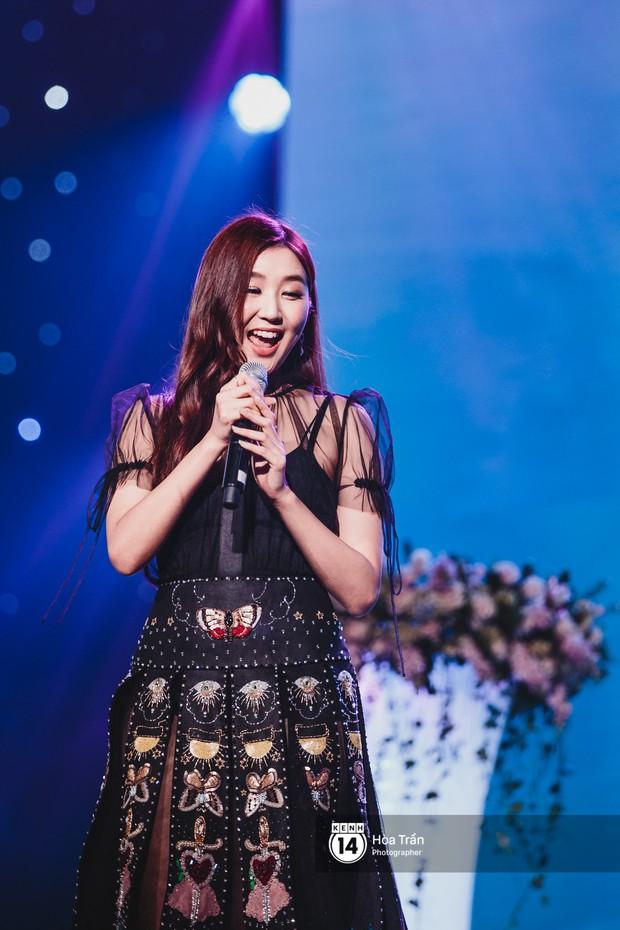Soobin - Jiyeon song ca tình bể bình, iKON quẩy cùng nón lá, dàn sao Việt - Hàn bùng nổ đêm nhạc cuối năm - Ảnh 17.