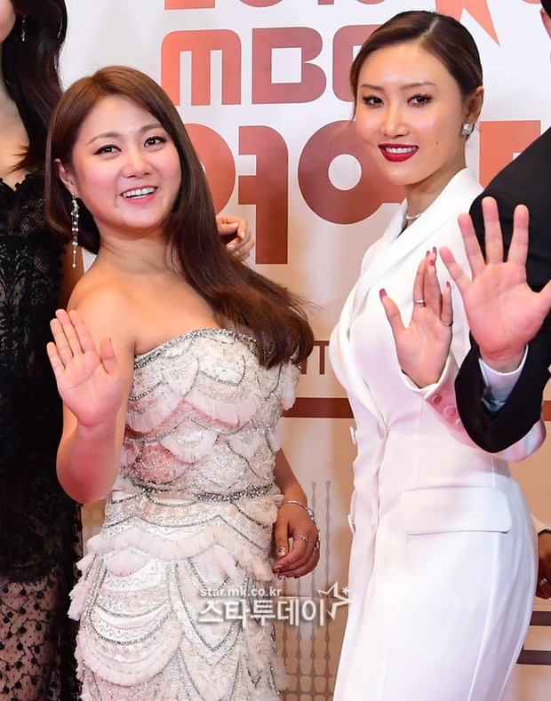 Thảm đỏ MBC Entertainment Awards: Kim So Hyun đẹp đỉnh cao, đánh bật cả Yuri và dàn mỹ nhân khoe body xôi thịt - Ảnh 22.