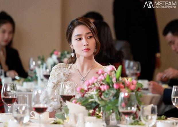 Trở lại với nhan sắc đỉnh cao, ai ngờ minh tinh Vườn sao băng Lee Min Jung lại đẹp đến mức này! - Ảnh 10.