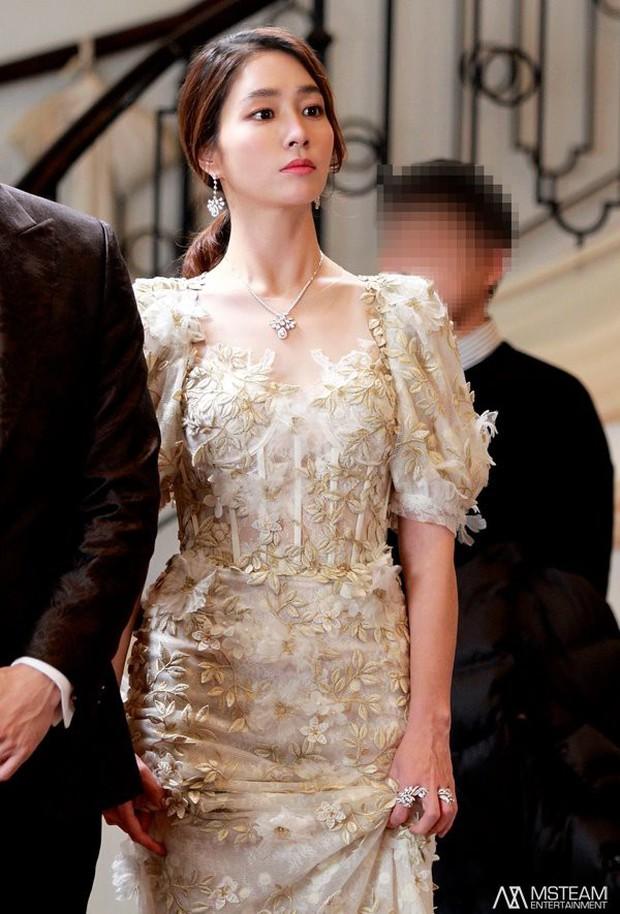 Trở lại với nhan sắc đỉnh cao, ai ngờ minh tinh Vườn sao băng Lee Min Jung lại đẹp đến mức này! - Ảnh 5.