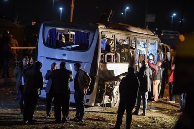 Quốc tế lên án vụ đánh bom xe Ai Cập khiến 3 người Việt thiệt mạng - Ảnh 1.